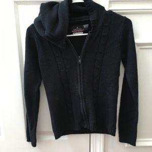 Sweater zip up 8/10
